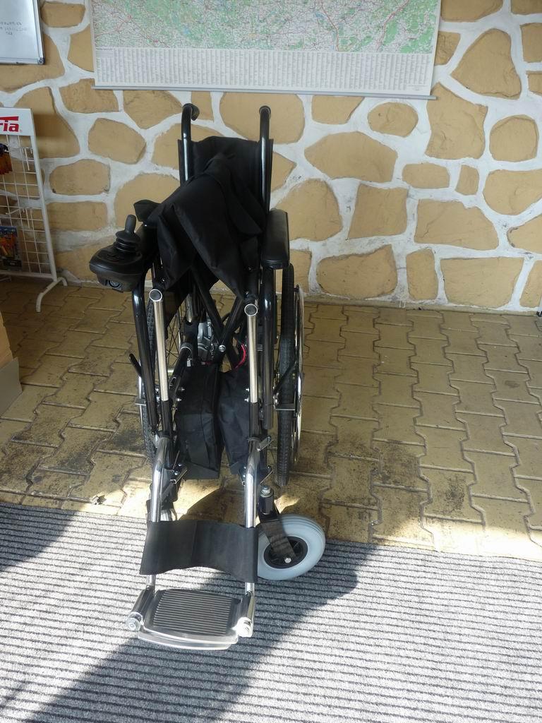 Invalidní vozík skládací